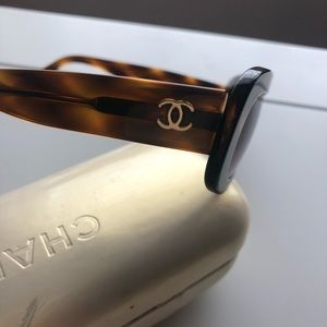 CHANEL Accessories - Chanel Tortoise Shell Sunglasses